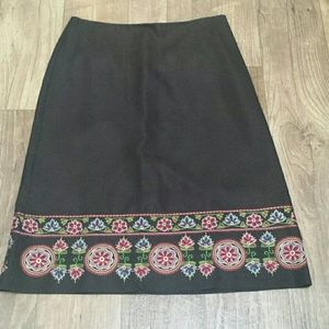 Ann Taylor black silk skirt with embroidery size 6